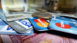5 Benefits of Using Cash Back Credit Card for Shopping During Festivals